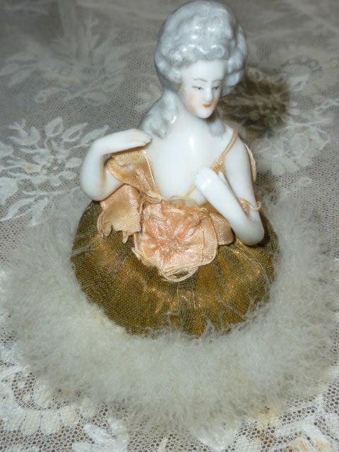 rare-1930-s-boudoir-porcelain-lady-swansdown-powder-puff-63-p